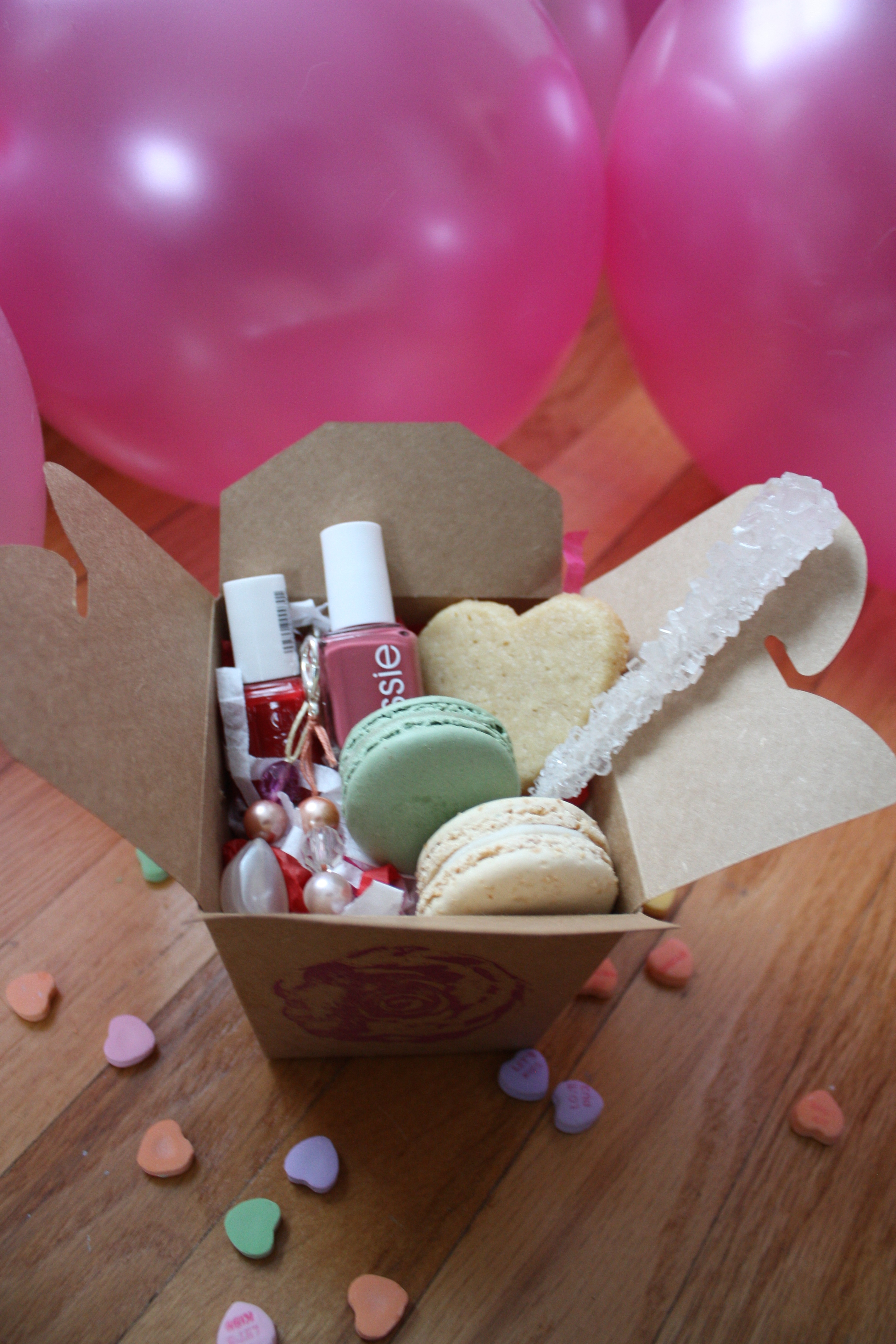 Valentine gift boxes for her negle Gallery